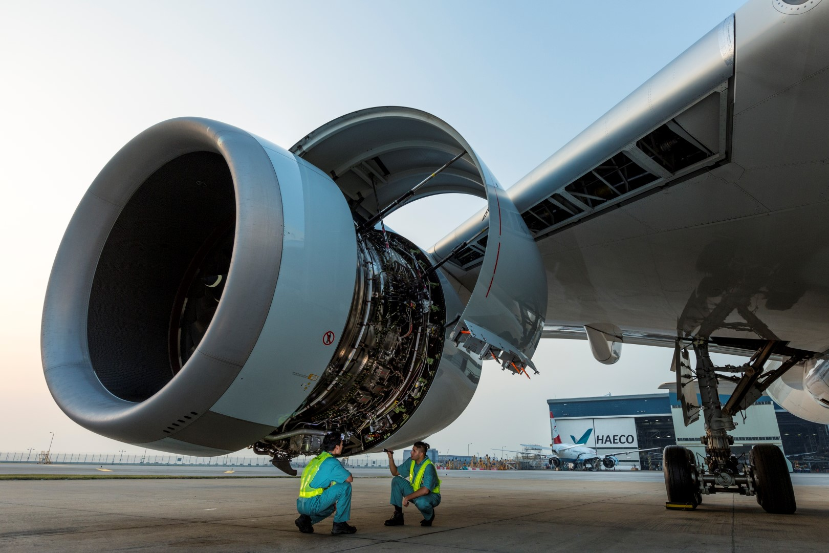 Rolls-Royce introduces new engine change service with HAECO